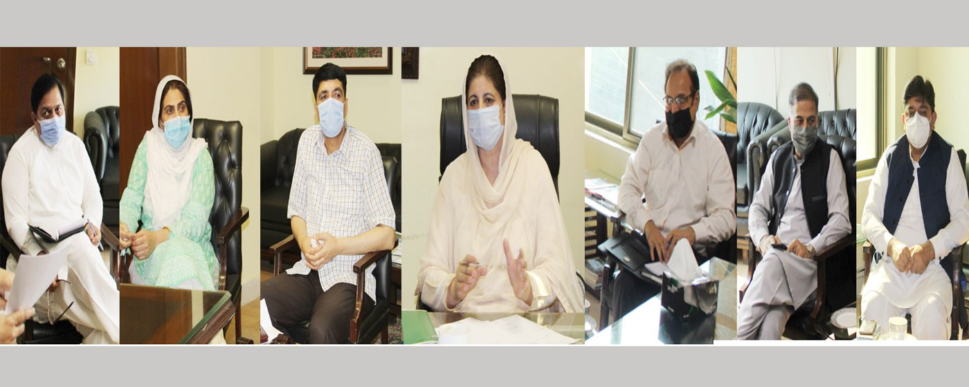 Muzaffarabad: Secretary Information, Tourism &IT madam Midhat Shehzad presides over a session of State Mobilization Committee.